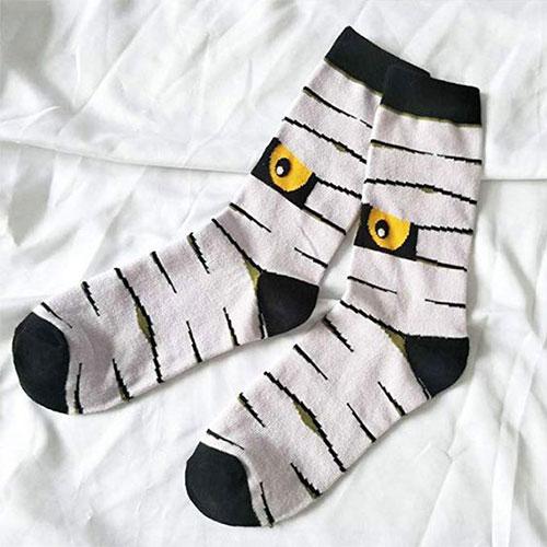 12-Halloween-Themed-Socks-Stockings-For-Girls-Women-2019-12